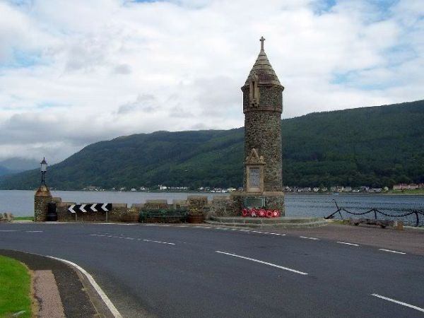 The memorial on Holy Loch at Hunter's Quay